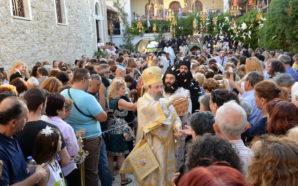 Κατέκλυσαν οι Πιστοί την Παναγία την Γηροκομίτισσα στην Πάτρα