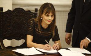 Αχτσιόγλου: 11 ευνοϊκά μέτρα για 81.715 οφειλέτες του ΟΕΚ