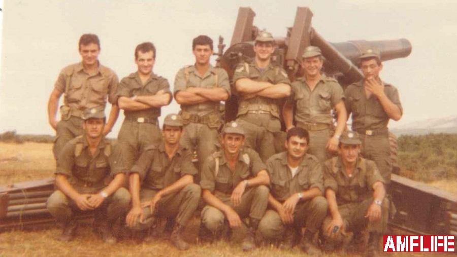 Ο Σπύρος Μπουρνάζος με τους φίλους συναδέλφους ένα μήνα πριν το επεισόδιο