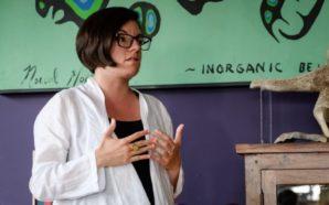 Νίκι Αστον: Η 35χρονη ομογενής βουλευτής διεκδικεί την αρχηγία κόμματος…