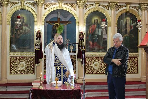 Τελέστηκε σήμερα η Κυριακάτικη Θεία Λειτουργία και αμέσως μετά ο Αγιασμός και οι εγγραφές στη σχολή Αγιογραφίας της Ιεράς Μητροπόλεως στον Ι.Ν Αγίου Αθανασίου Αμφιλοχίας