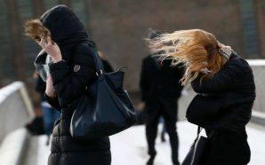 Οι θυελλώδεις άνεμοι «σάρωσαν» την Ελλάδα