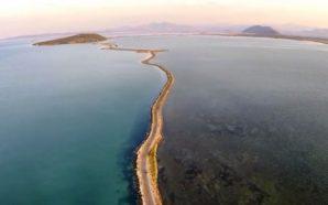 Κορωνησία: Το πανέμορφο ψαροχώρι του Αμβρακικού όπου έζησε ο Όσιος…